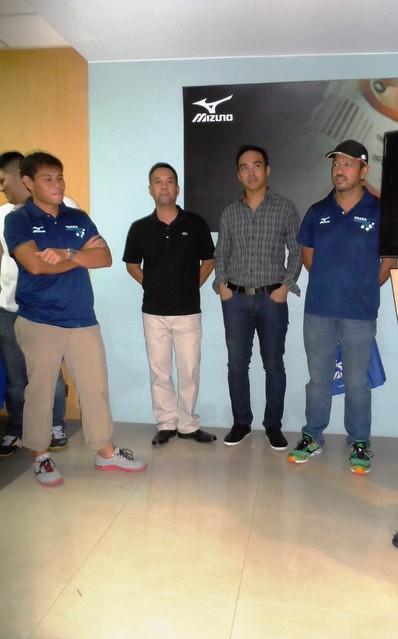 Coach Patrick with Pinoy participants of Osaka Marathon