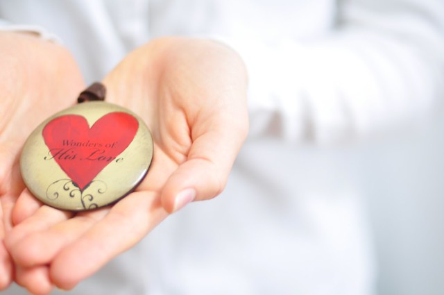 What To Do With a Hurting Heart this Christmas