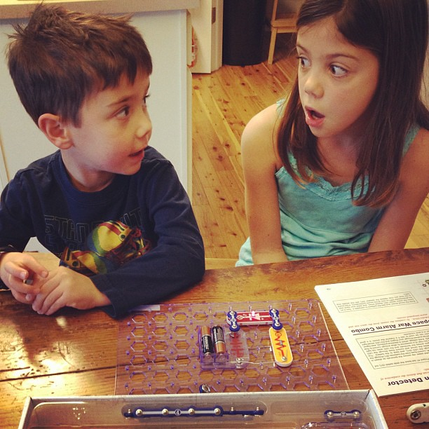 Snap Circuits Jr. is ahh-mazing!