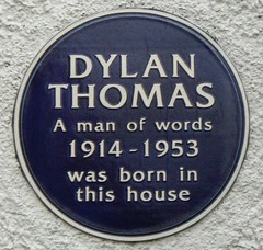 Photo of Dylan Thomas blue plaque