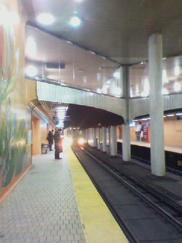 Waiting for the southbound train to come in, Dupont station