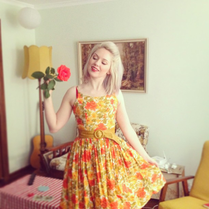 vintage dress red rose