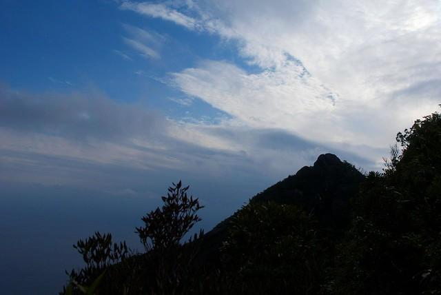 モッチョム岳を望む