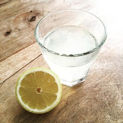When life gives you lemons drink Warm lemon juice in the morning. My favorite :sun_with_face: and the benefits are amazing @foodmatters @greenmondaysa #lemon #lemonjuice #health #stayhealthy #lemons #greenmondaysa #greenmonday #vegatarian