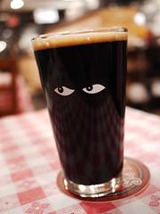 金, 2012-12-07 19:34 - Harpoon Chocolate Stout、Speakeasyのグラス