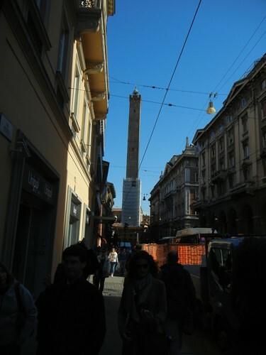 DSCN3247 _ Torre degli Asinelli, Bologna, 16 October