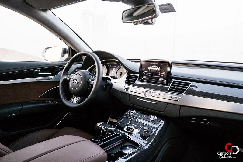 2013_Audi_S8-8.jpg