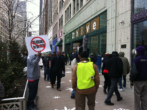Picketers protest in Detroit