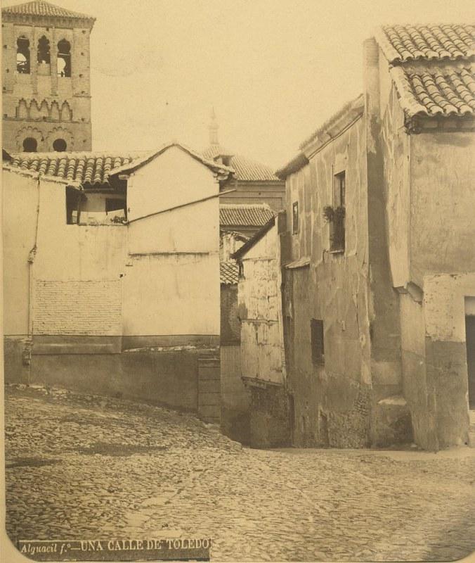 Plaza de Valdecaleros hacia 1875. Fotografía de Casiano Alguacil © Museo del Traje. Centro de Investigación del Patrimonio Etnológico. Ministerio de Educación, Cultura y Deporte
