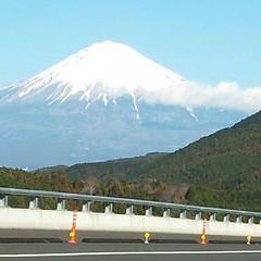 新東名からの富士山が見事でした。妻撮影。
