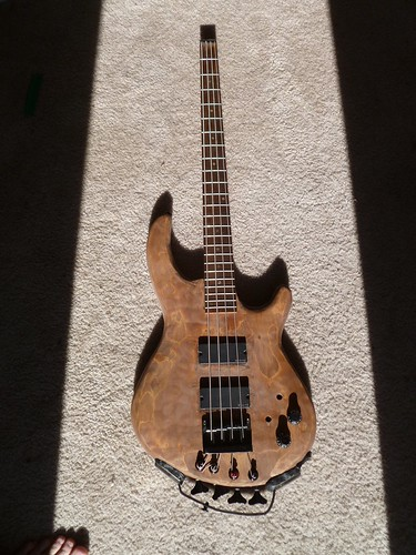 Headless Bass 2