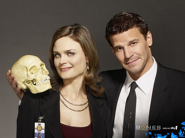 1280x960_Bones_wallpaper_bb-skull