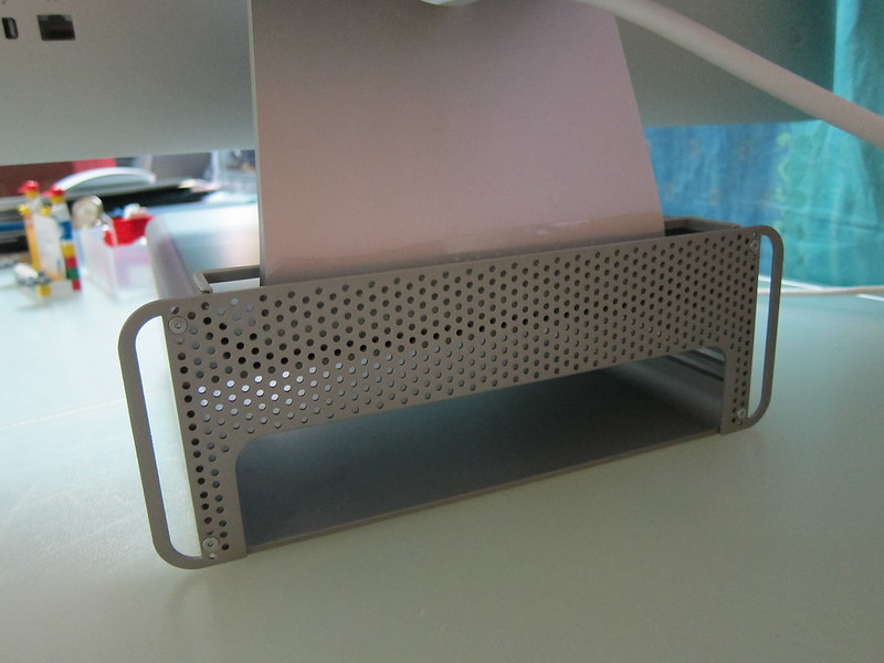 Twelve South HiRise for iMac - Step 4: Screw The Back Cover
