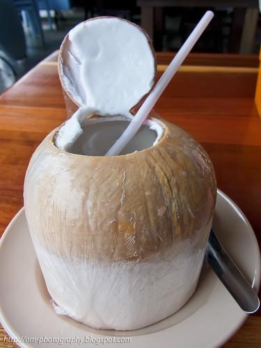 coconut drink R0021328 copy
