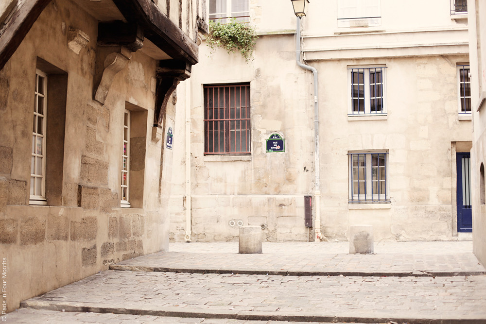 Cosy Streets in Paris