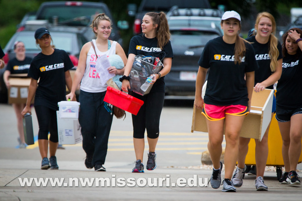 move in day fall2016 tw 06584