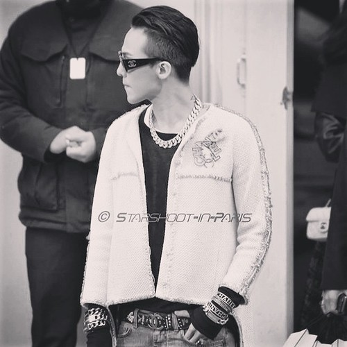G-Dragon - Chanel Fashion Show - 27jan2015 - starshootinparis - 05