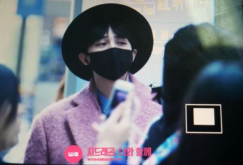 Big Bang - Incheon Airport - 21mar2015 - G-Dragon - With G-Dragon - 01