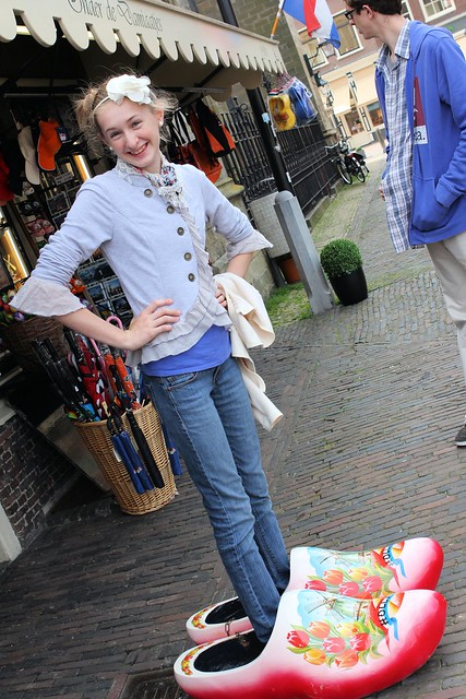 Millay in Dutch shoes_8449