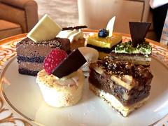 Abu Dhabi - Emirates Palace Hotel - High Tea time