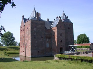 small castle www.cycletours.com