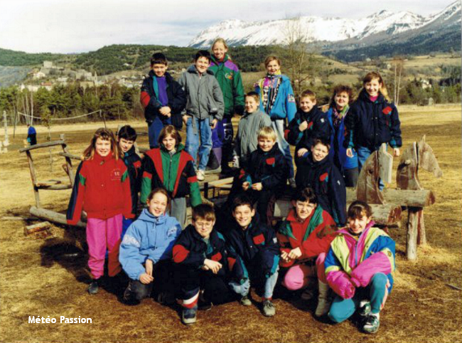 photo de classe de neige dans la douceur durant l'hiver 1989-1990 météopassion