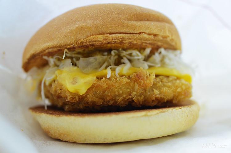 [速食]MOS新品上市。咖哩豬排堡,keema醬