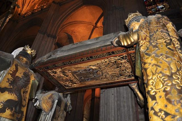 Tumba de Cristóbal Colón Catedral de Sevilla, sepulcro de la historia de américa - 8322046873 474fda869a z - Catedral de Sevilla, sepulcro de la historia de américa