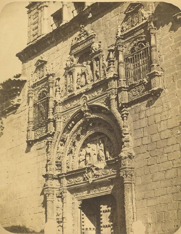 Hospital de Santa Cruz hacia 1875. Fotografía de Casiano Alguacil © Museo del Traje. Centro de Investigación del Patrimonio Etnológico. Ministerio de Educación, Cultura y Deporte