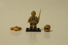 LEGO Ninjago The Golden Dragon (70503) - Lloyd the Golden Ninja