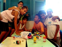 O menino arteiro no Centro de Promoção Social de Bariri-SP