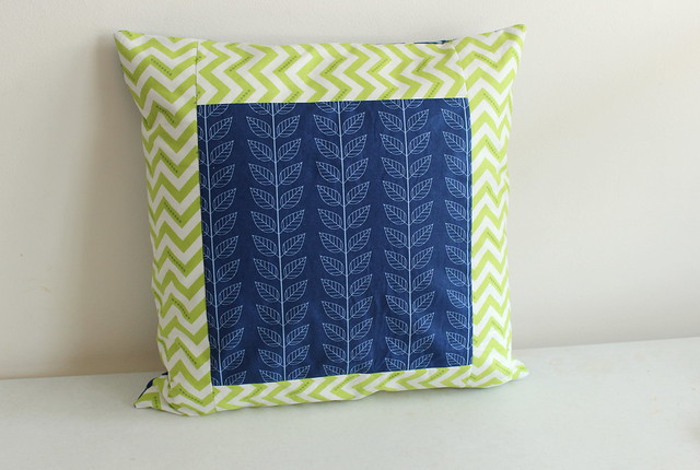 Simply Color pillow, back