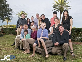 16-person family portrait in St. Petersburg Florida strobist style