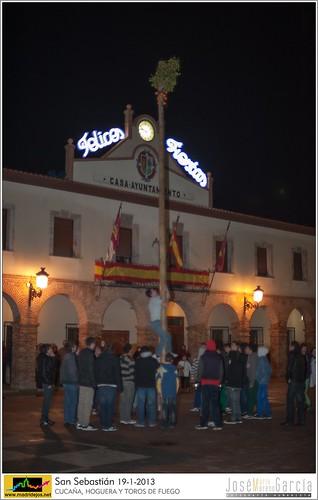 PULSA PARA VER LA CUCAÑA, HOGUERA Y TOROS DE FUEGO 2013