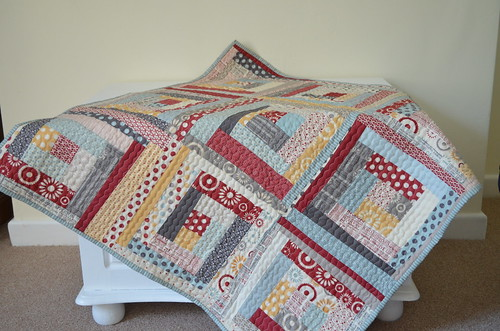 Hometown Log Cabin Pram Quilt