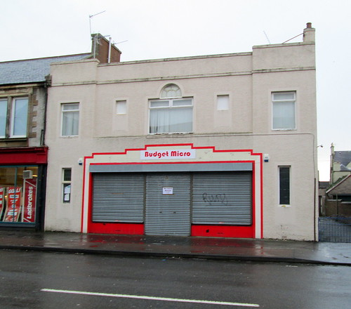 Budget Micro, Methil, Frontage