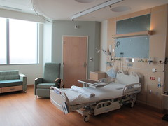 living room(0.0), operating theater(0.0), floor(1.0), hospital(1.0), building(1.0), room(1.0), property(1.0), clinic(1.0), medical(1.0), interior design(1.0), real estate(1.0),