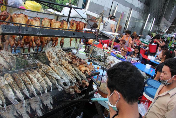 Thai street food stalls just outside Central World Shopping Center