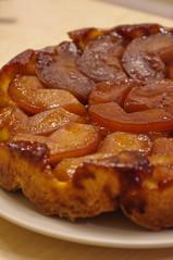 baked goods, food, dish, tarte tatin, dessert, cuisine,