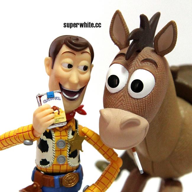 Bad Woody teach Bullseye to smoke