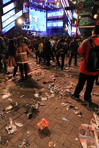 2013台北市跨年晚會垃圾-86-201301010140-賴鵬智攝-直