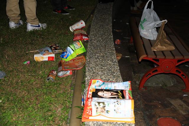 2013台北市跨年晚會垃圾-22-201301010026-賴鵬智攝