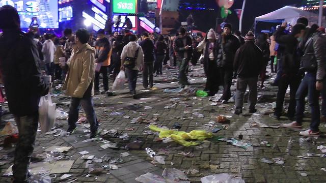 2013台北市跨年晚會垃圾-201301010135-洪惠璟攝-2