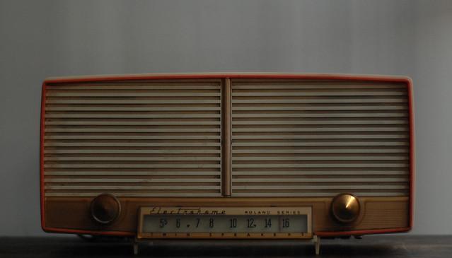 Radio, autor: postbear, źródło: flickr.com
