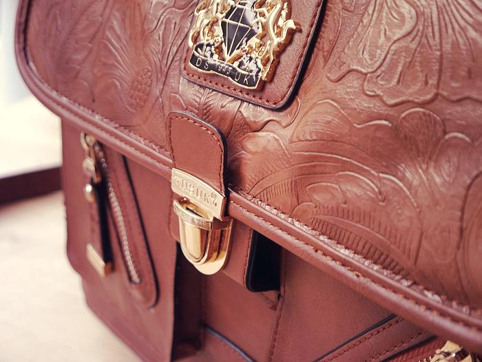 handbag essentials 6