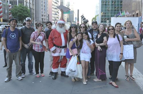 Papai Noel com pouco vermelho na Paulista