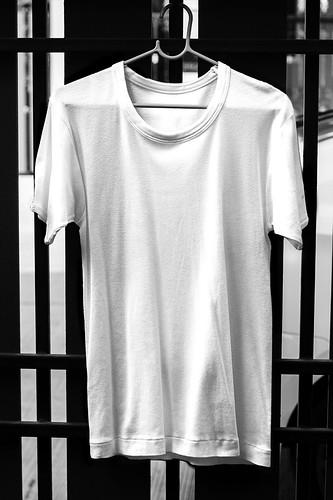 T-shirt and V-neck MOCKUP TEMPLATES | Threadless