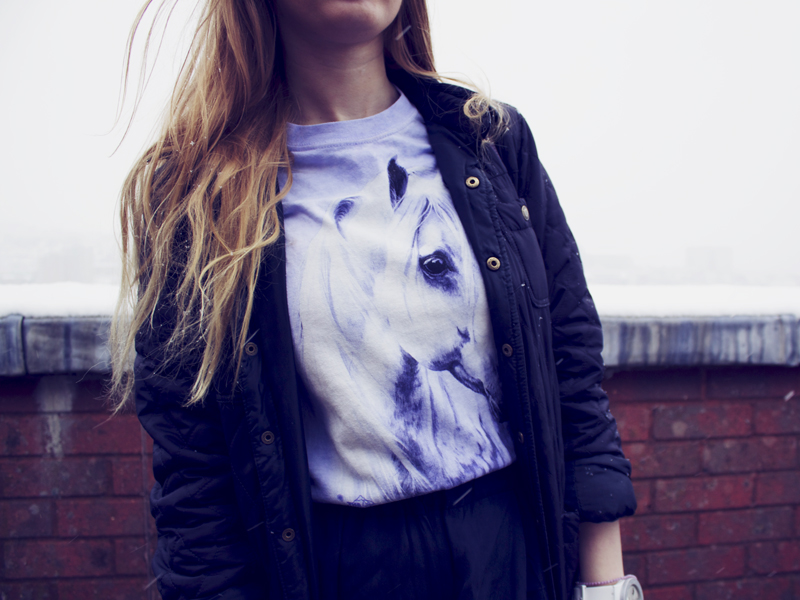 lilac lavender Horse t-shirt with Barbour style quilted jacket