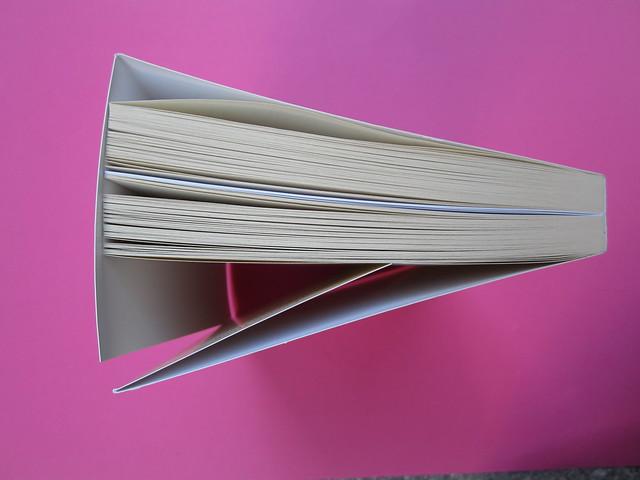 Virginia Woolf, Roger Fry. elliot 2012. [responsabilità grafica non indicata]; alla copertina: Ritratto di Roger Fry, di Vanessa Bell. Taglio superiore (part.), 1
