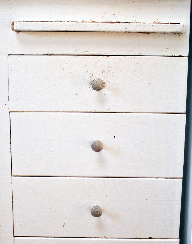Our Kitchen Drawers: Before Small Updates